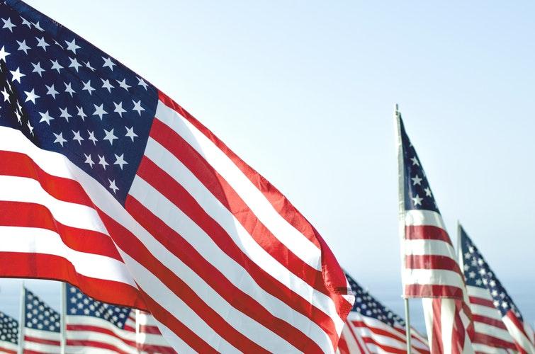 Nếu bạn muốn có một công việc tại Mỹ hay làm cách nàođểđịnh cư sau khi tốt nghiệp, có rất nhiều visaở Mỹ cho phép bạn cóđượcđiềuđó.