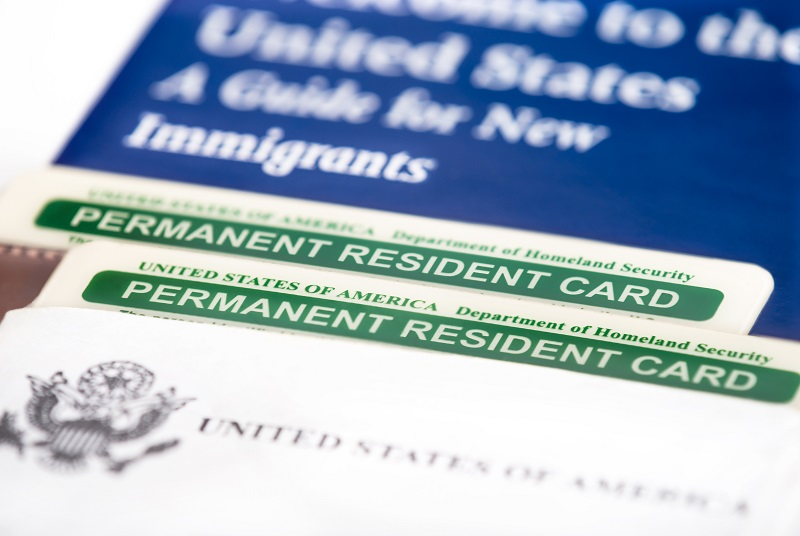 Theo chỉ tiêu của USCIS thì mỗi năm có khoảng 10.000 visa được cấp diện này và nó dành cho cho nhà đầu tư hoặc doanh nhân, những người đang đầu tư vào một doanh nghiệp tạo ra công ăn việc làm mới ở Mỹ